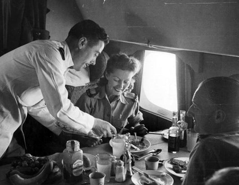 British actors Winifred Shoter and Jack Lester on their flight to India, 1945.