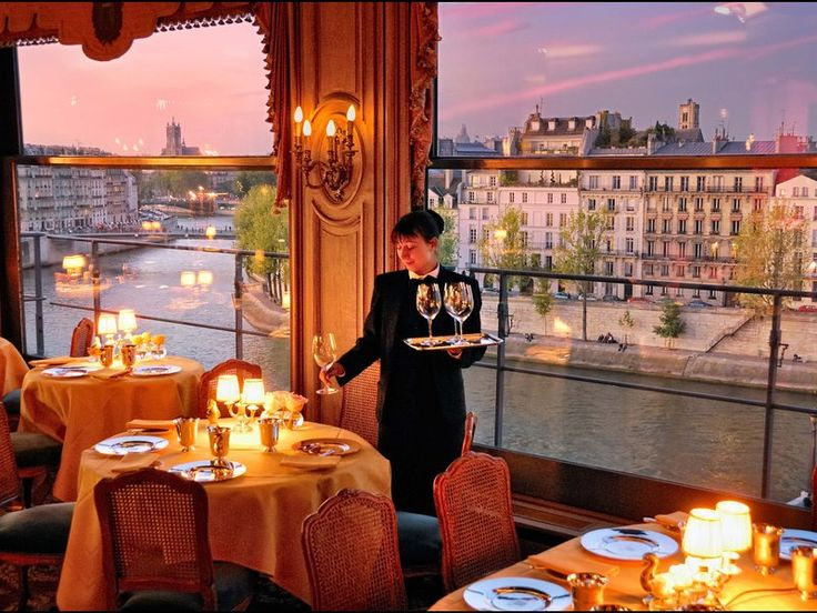 La Tour d'Argent restaurant with luxury view