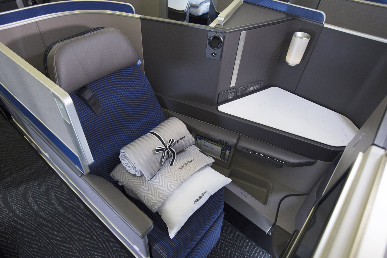 united polaris Business Class to Paris