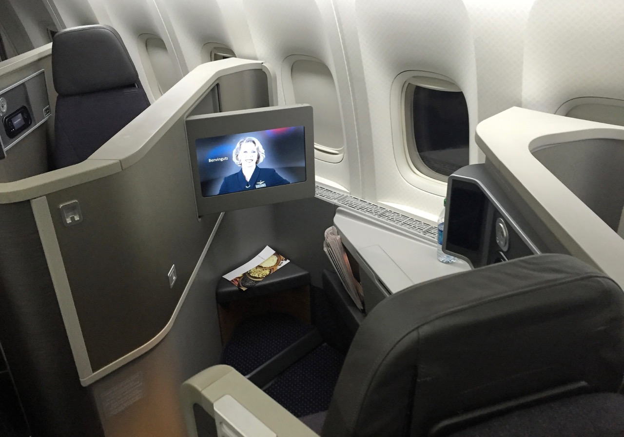cheap american airlines Business Class to Paris