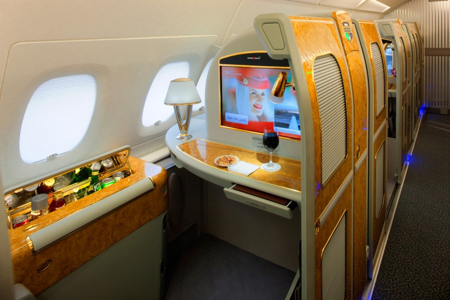 Review of Best Business Class Airlines to Amsterdam 6
