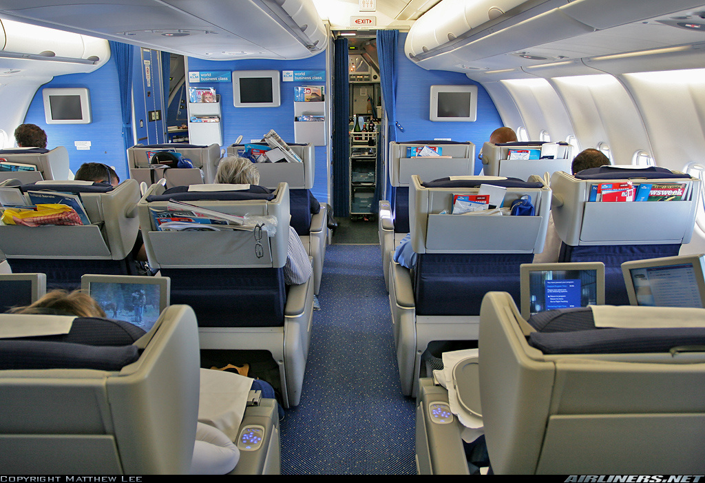 Review of Best Business Class Airlines to Amsterdam 7