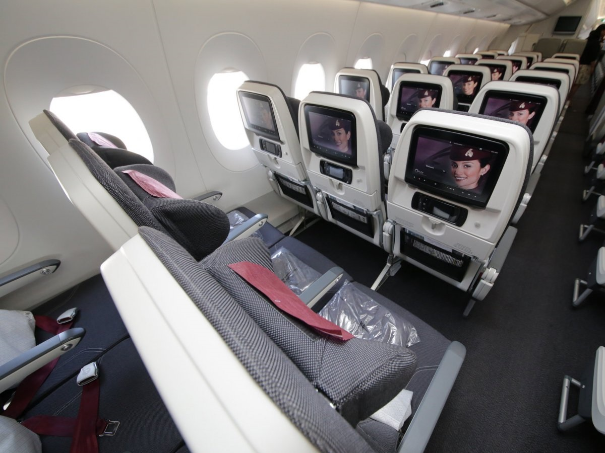 Review of Best Business Class Airlines to Italy 12