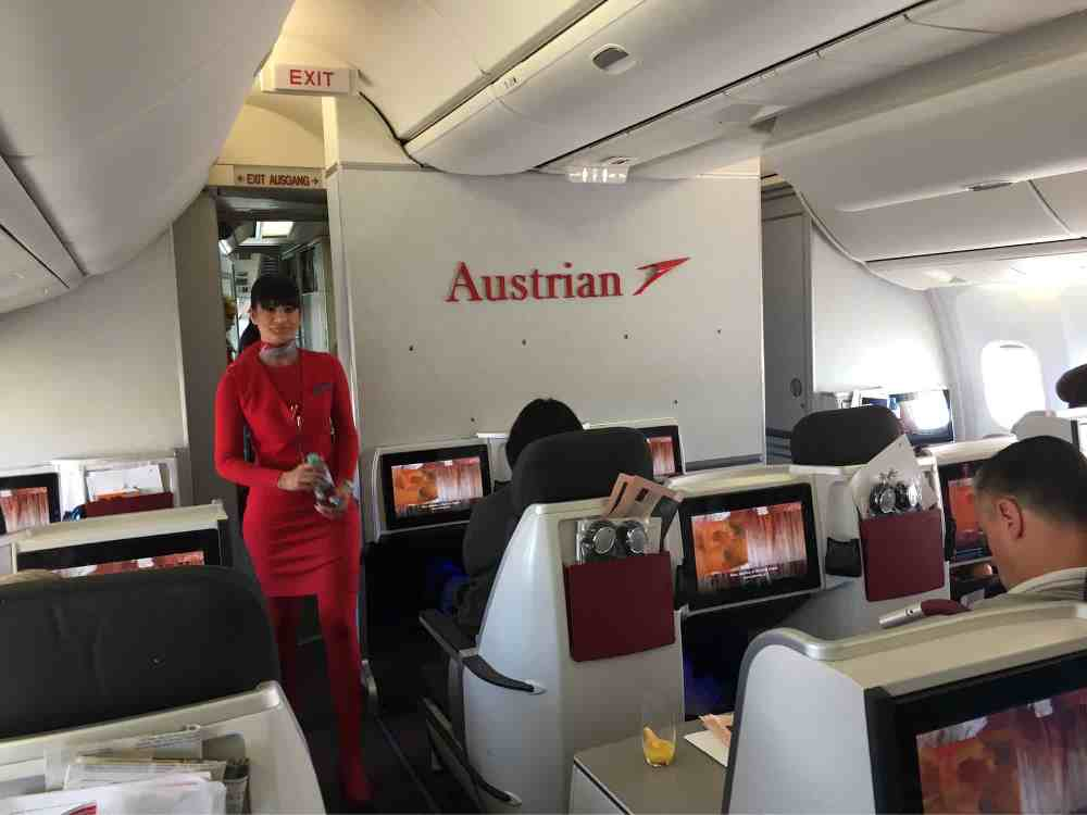 Business Class Flights to Spain: a Review of the TOP 5 Airlines foto3